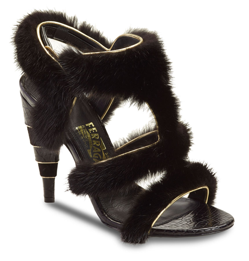 Salvatore-Ferragamo-Women's-Fall-Winter-2015-16_Accessories_Shoes_PAG049